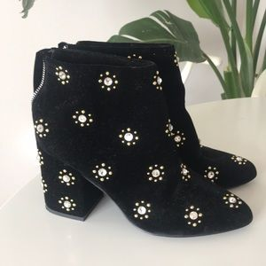 Senso embroidered booties